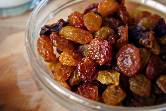 Food Diabetics Should Avoid - Raisins